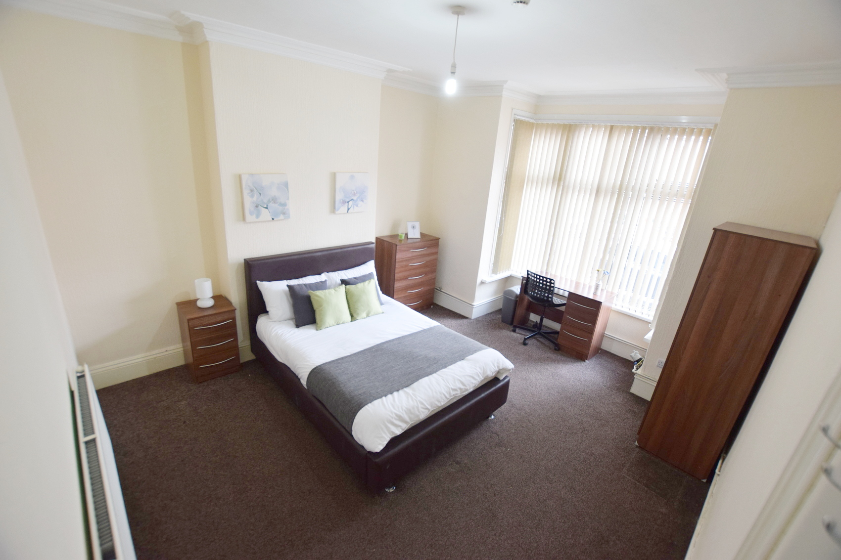 Double Room Available!! – Moseley B12
