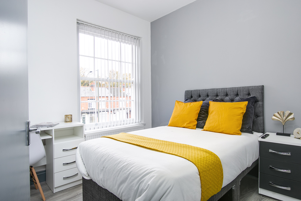 Luxurious Rooms close to the train station – B23
