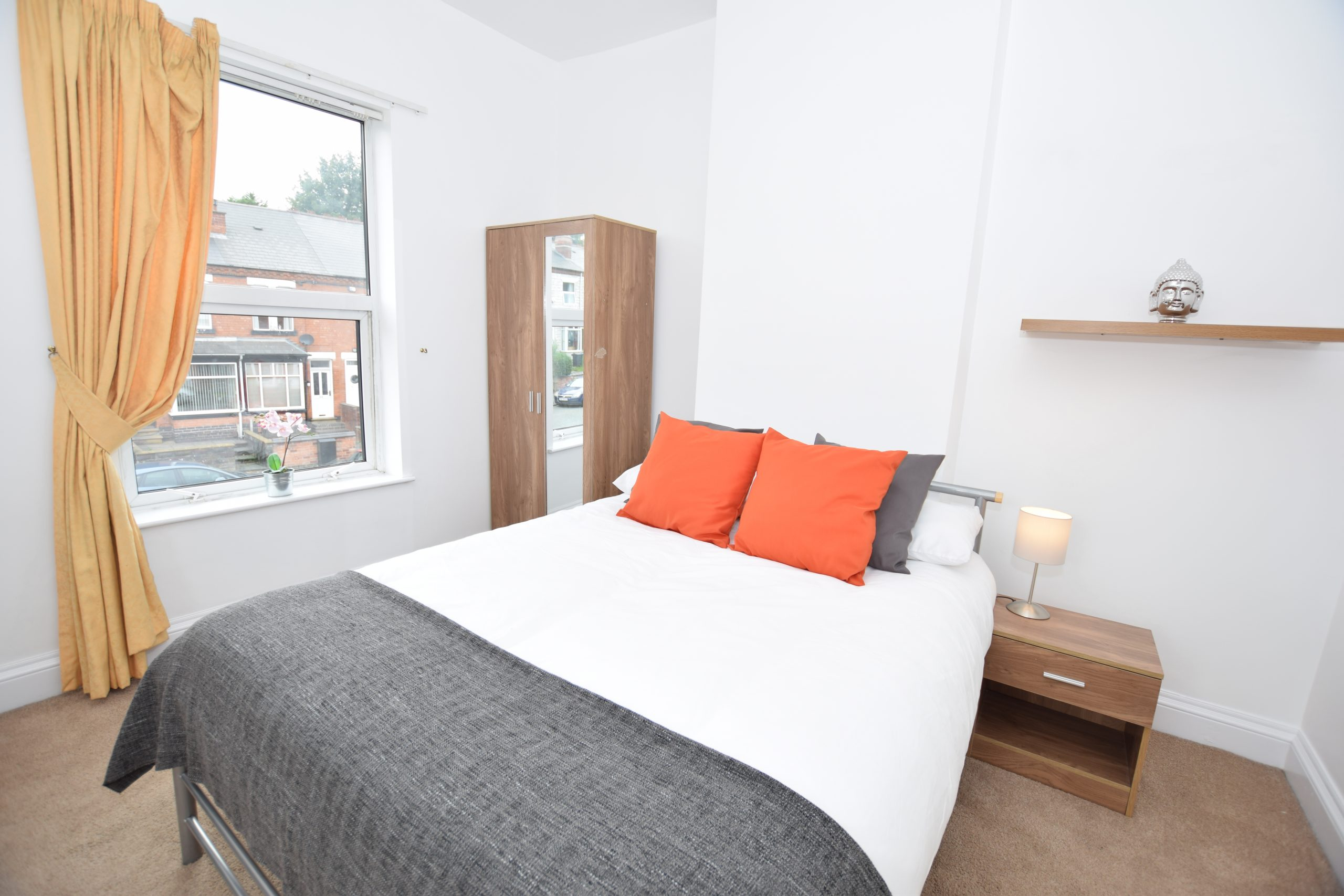 Lovely Single Bed House Share – B67